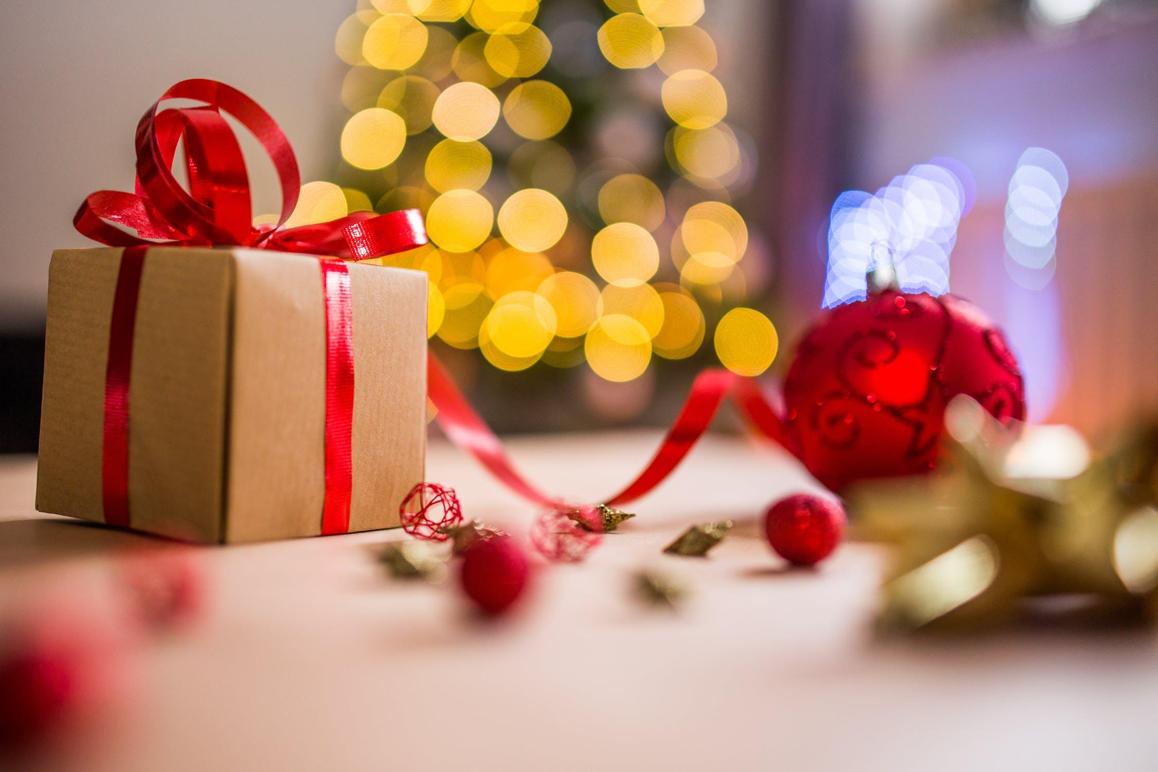 egyedi karácsonyi ajándékok