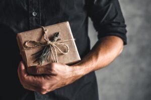 egyedi ajándékötletek férfiaknak